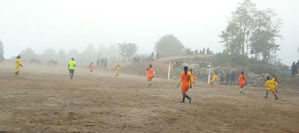 इलामको माङसेबुङमा जारी महिला फुटबलमा वडा नं. ६ फाइनलमा प्रवेश