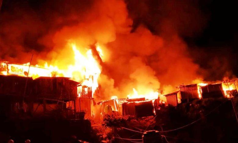 ताप्लेजुङ फुङ्लिङ बजारमा आगलागी, ७ वटा घर र ११ पसल जलेर नष्ट