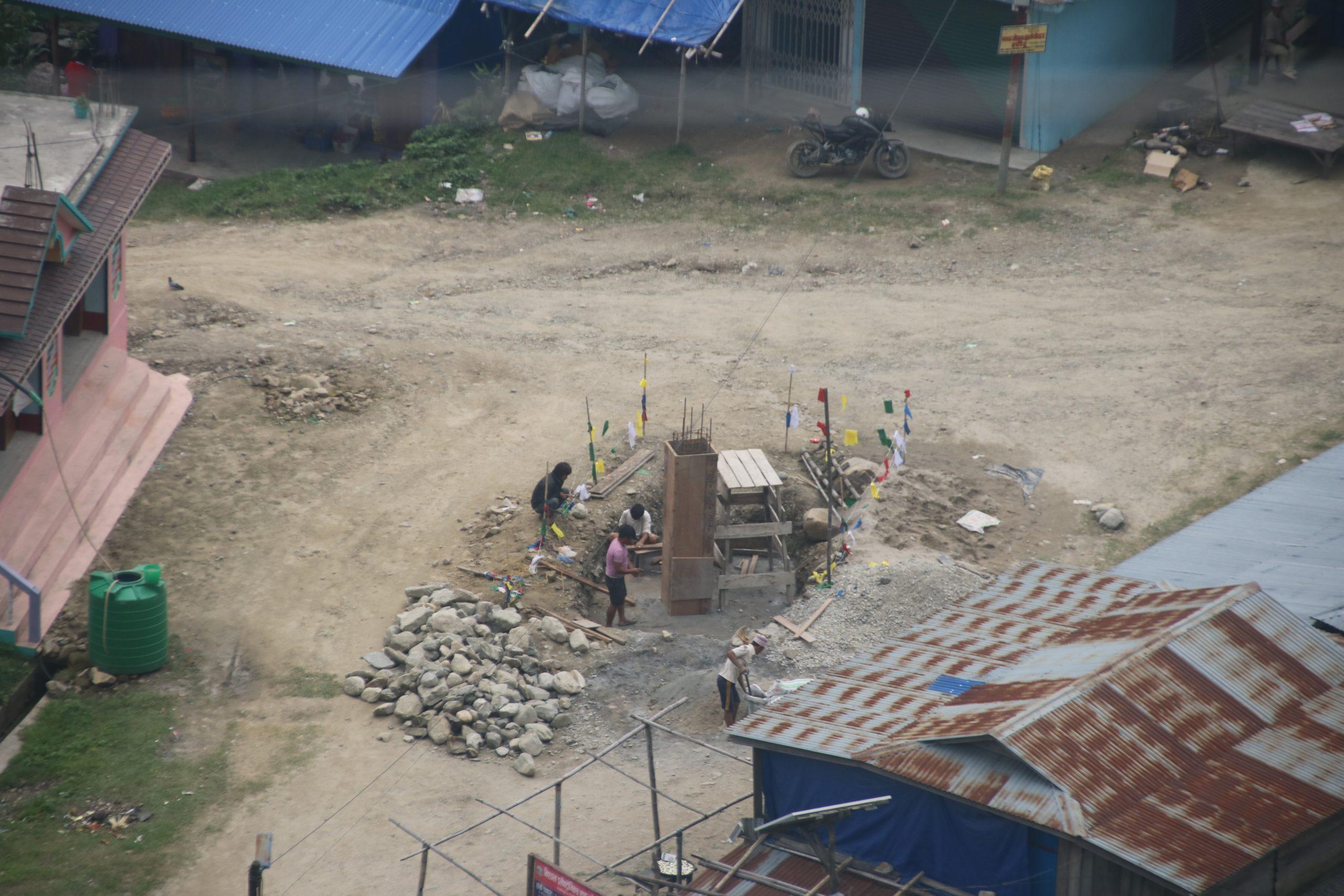 माङसेबुङ परिसरमा निर्माणाधिन भौतिक पुर्वाधारहरु(फोटो फिचर)